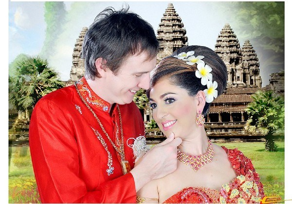 Khmer Traditional Costume - Romance At Angkor Wat small