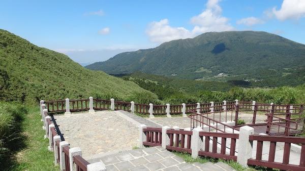 Yangmingshan National Park Yangmingshan is a national