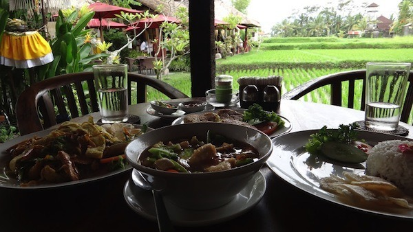warung rai pasti 10 Restoran Tempat Makan Favorit di Ubud Bali